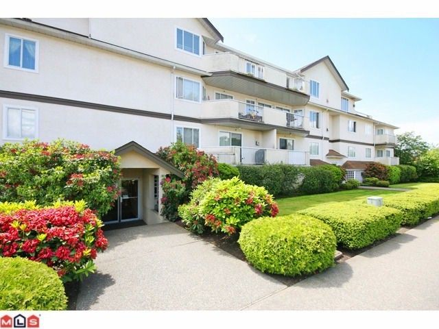 "Main Photo: 104 20064 56TH Avenue in Langley: Langley City Condo for sale in ""BALDI CREEK GROVE"" : MLS®# F1219855"