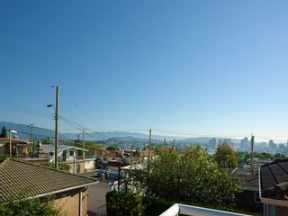 Photo 11: 3263 E 6TH Avenue in Vancouver: Renfrew VE House for sale (Vancouver East)  : MLS®# V1027396