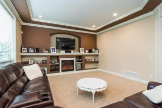 """Photo 4: 8067 210 Street in Langley: Willoughby Heights House for sale in """"YORKSON"""" : MLS®# R2326682"""