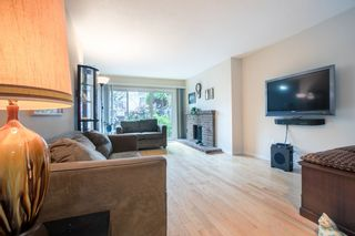 "Photo 5: 13 3220 ROSEMONT Drive in Vancouver: Champlain Heights Townhouse for sale in ""ASPENWOOD 2"" (Vancouver East)  : MLS®# R2358637"