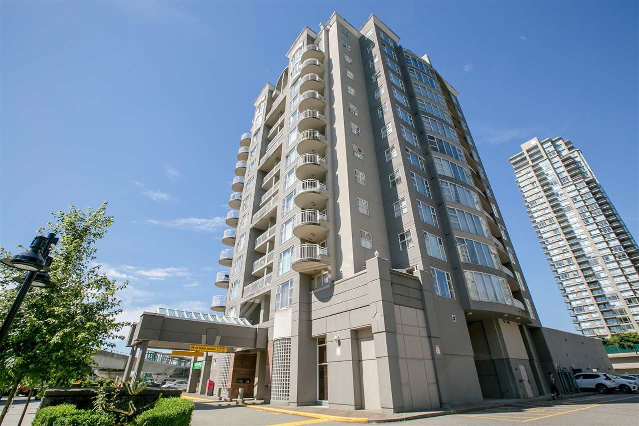 Main Photo: 305 1180 PINETREE Way in Coquitlam: North Coquitlam Condo for sale : MLS®# R2285699