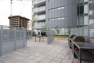 """Photo 19: 3208 488 SW MARINE Drive in Vancouver: Marpole Condo for sale in """"Marine Gateway"""" (Vancouver West)  : MLS®# R2440904"""