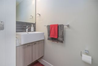 """Photo 11: 301 3090 GLADWIN Road in Abbotsford: Central Abbotsford Condo for sale in """"Hudsons Loft"""" : MLS®# R2441668"""