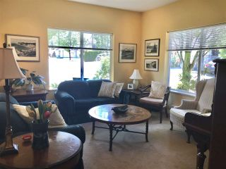 """Photo 6: 14 18181 68 Avenue in Surrey: Cloverdale BC Townhouse for sale in """"Magnolia"""" (Cloverdale)  : MLS®# R2381409"""
