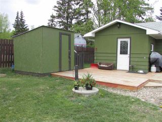 """Photo 4: 12781 OLD HOPE Road: Charlie Lake House for sale in """"CHARLIE LAKE"""" (Fort St. John (Zone 60))  : MLS®# R2043655"""