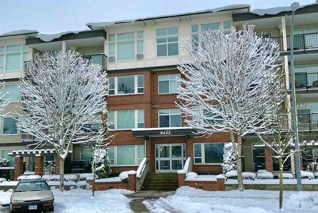 """Main Photo: 301 9422 VICTOR Street in Chilliwack: Chilliwack N Yale-Well Condo for sale in """"THE NEWMARK"""" : MLS®# R2585908"""