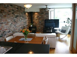 Photo 2: 404 2515 ONTARIO Street in Vancouver: Mount Pleasant VW Condo for sale (Vancouver West)  : MLS®# V966401