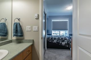 """Photo 18: 306 33485 SOUTH FRASER Way in Abbotsford: Central Abbotsford Condo for sale in """"CITADEL RIDGE"""" : MLS®# R2496142"""