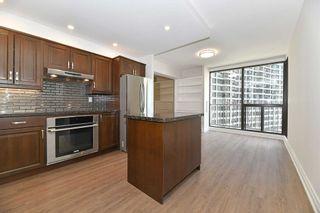 Photo 6: 2208 33 Harbour Square in Toronto: Waterfront Communities C1 Condo for lease (Toronto C01)  : MLS®# C5393126