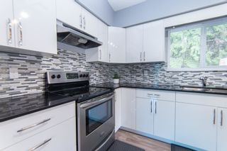 """Photo 11: 9748 117B Street in Surrey: Royal Heights House for sale in """"Royal Heights"""" (North Surrey)  : MLS®# R2603674"""