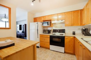 """Photo 3: 301 19130 FORD Road in Pitt Meadows: Central Meadows Condo for sale in """"Beacon's Square"""" : MLS®# R2032727"""