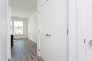 """Photo 10: 307 16396 64 Avenue in Surrey: Cloverdale BC Condo for sale in """"The Ridge at Bose Farms"""" (Cloverdale)  : MLS®# R2002175"""