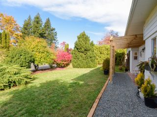 Photo 36: 532 BAMBRICK PLACE in COMOX: CV Comox (Town of) House for sale (Comox Valley)  : MLS®# 800011