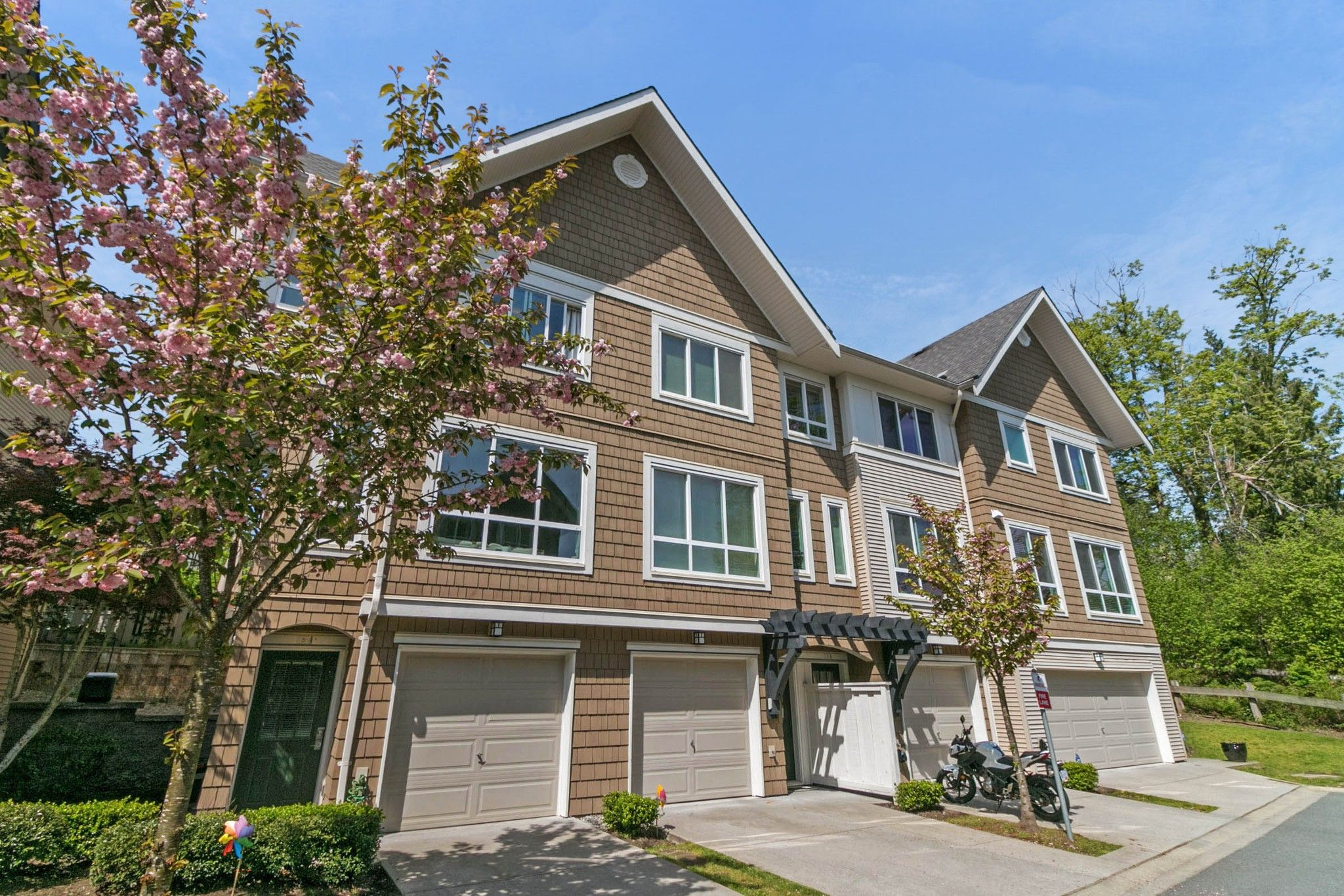 """Main Photo: 5 1295 SOBALL Street in Coquitlam: Burke Mountain Townhouse for sale in """"TYNERIDGE SOUTH"""" : MLS®# R2265403"""
