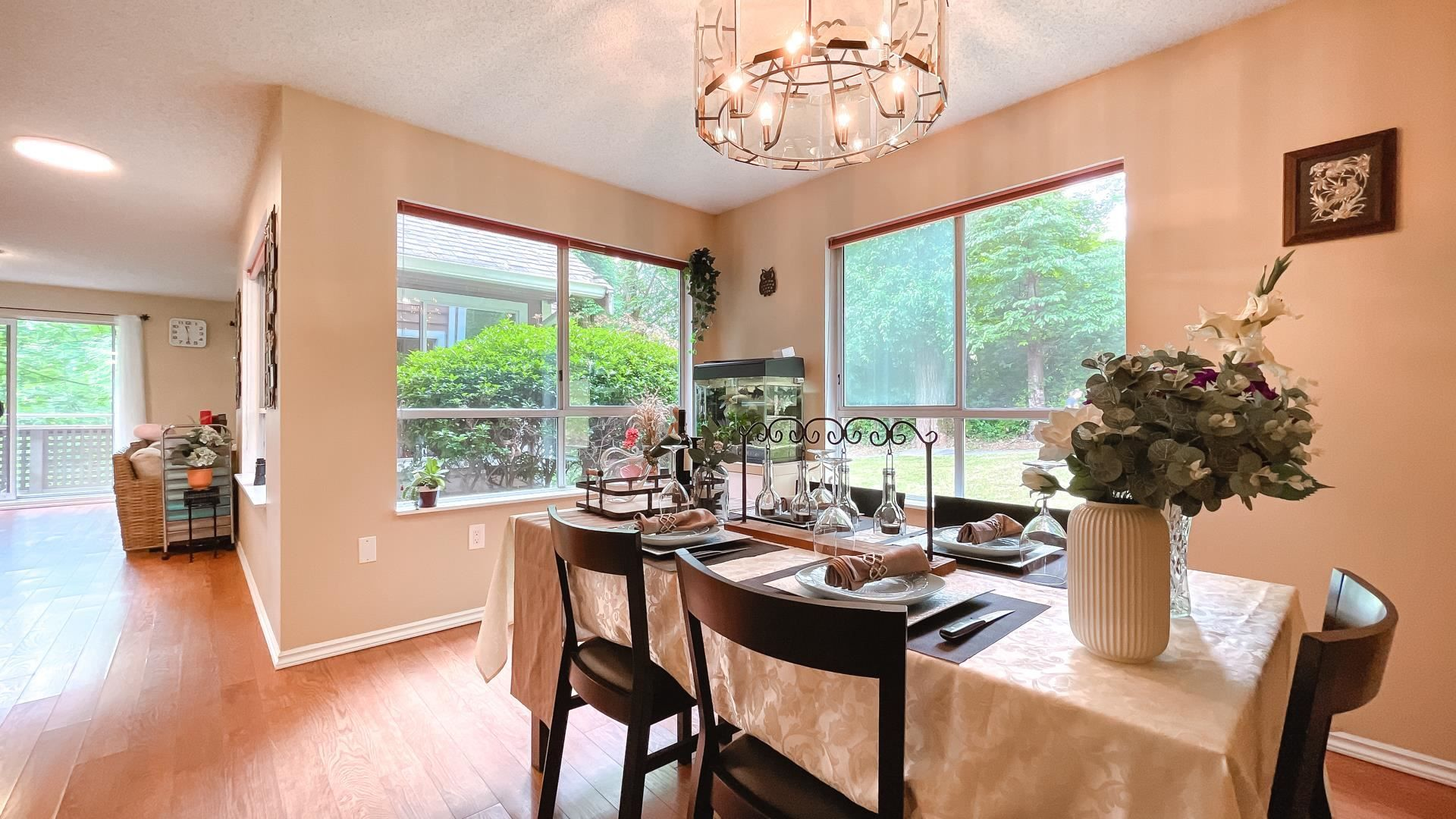Photo 7: Photos: 66 9000 ASH GROVE CRESCENT in Burnaby: Forest Hills BN Townhouse for sale (Burnaby North)  : MLS®# R2603744