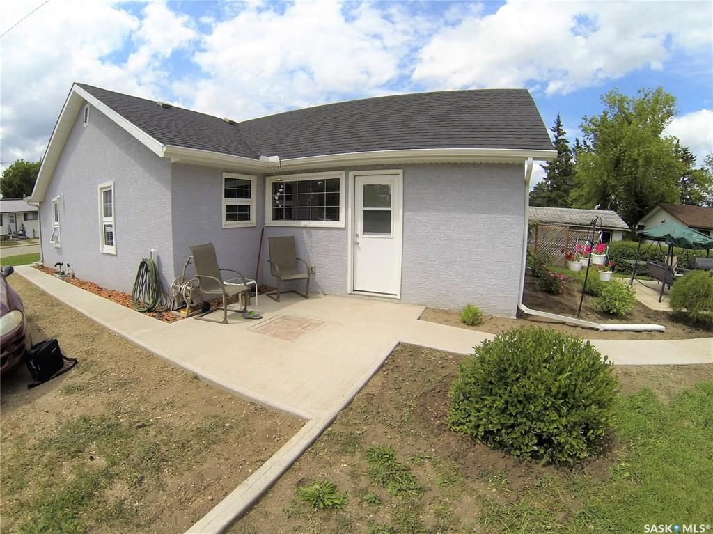 Main Photo: 245 Company Avenue South in Fort Qu'Appelle: Residential for sale : MLS®# SK831819