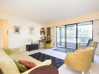 """Photo 4: 113 3787 W 4TH Avenue in Vancouver: Point Grey Condo for sale in """"Andrea Apartments"""" (Vancouver West)  : MLS®# R2085313"""