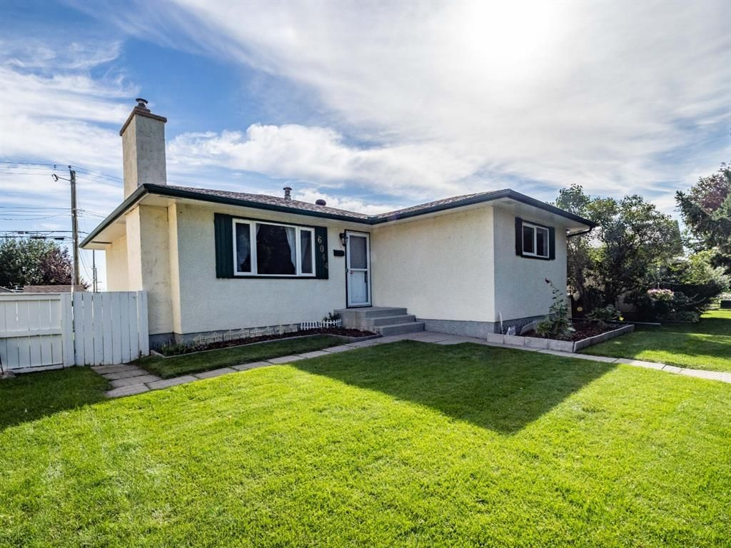 Main Photo: 6044 4 Street NE in Calgary: Thorncliffe Detached for sale : MLS®# A1144171