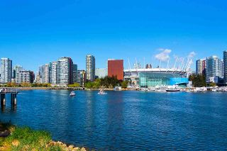 """Photo 22: 11 WALTER HARDWICK Avenue in Vancouver: False Creek Townhouse for sale in """"Kayak"""" (Vancouver West)  : MLS®# R2571642"""