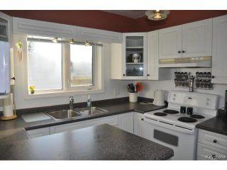 Photo 5: 216 Sydney Avenue in WINNIPEG: East Kildonan Residential for sale (North East Winnipeg)  : MLS®# 1507902