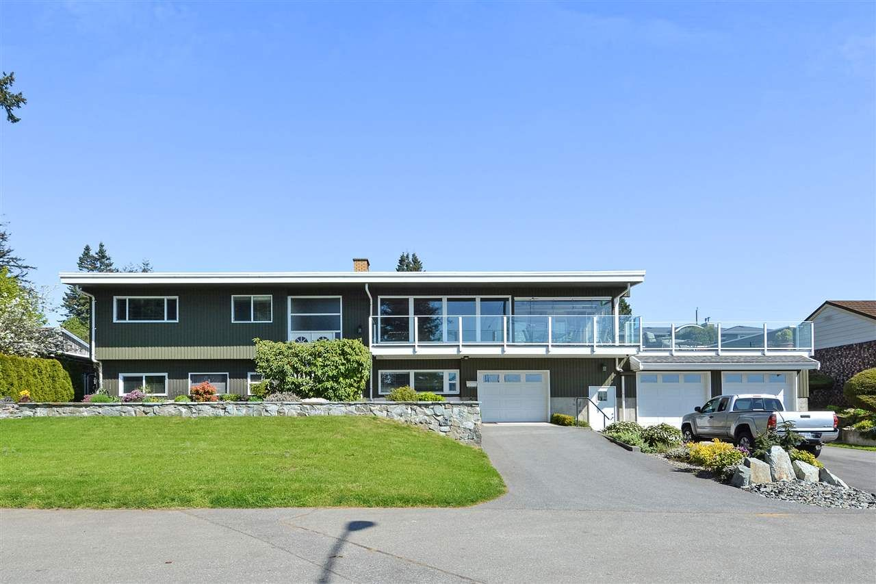 """Main Photo: 14233 MAGDALEN Avenue: White Rock House for sale in """"West White Rock"""" (South Surrey White Rock)  : MLS®# R2262291"""