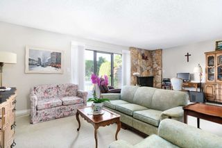 """Photo 4: 42 8111 SAUNDERS Road in Richmond: Saunders Townhouse for sale in """"OSTERLEY PARK"""" : MLS®# R2605731"""