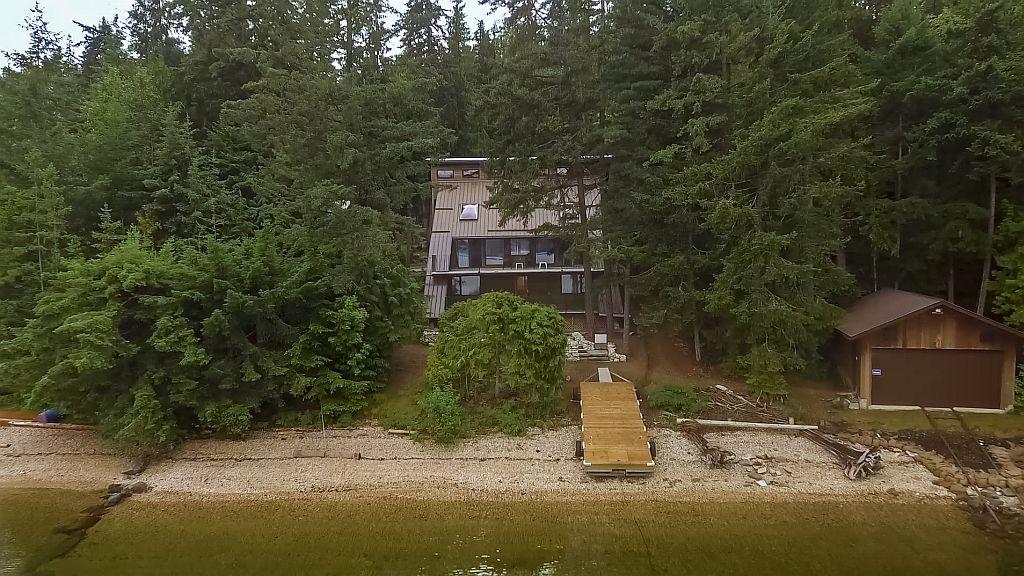 Main Photo: 6293 Armstrong Road: Eagle Bay House for sale (Shuswap Lake)  : MLS®# 10182839