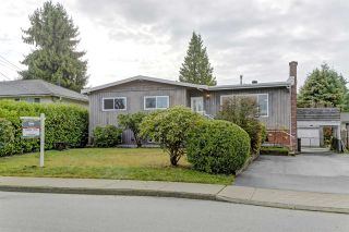 Photo 1: 1820 GROVER Avenue in Coquitlam: Central Coquitlam House for sale : MLS®# R2420677