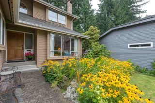 """Photo 2: 4722 UNDERWOOD Avenue in North Vancouver: Lynn Valley House for sale in """"Timber Ridge"""" : MLS®# R2401489"""