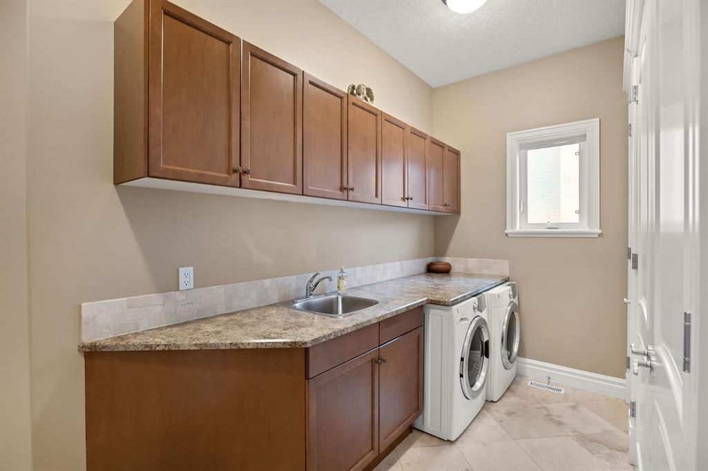 Photo 27: Photos: 15 Lynx Meadows Drive NW: Calgary Detached for sale : MLS®# A1139904