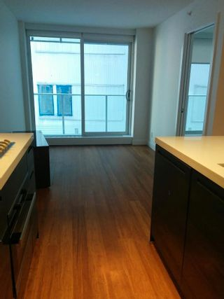 """Photo 2: 802 777 RICHARDS Street in Vancouver: Downtown VW Condo for sale in """"Telus Gardens"""" (Vancouver West)  : MLS®# R2597120"""