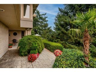 """Photo 4: 2249 MOUNTAIN Drive in Abbotsford: Abbotsford East House for sale in """"Mountain Village"""" : MLS®# R2609681"""