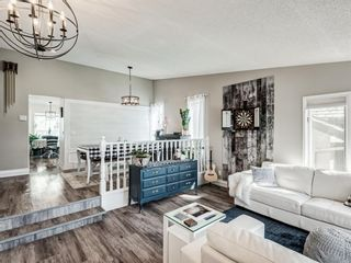 Photo 7: 71 Strathaven Circle SW in Calgary: Strathcona Park Detached for sale : MLS®# A1079924