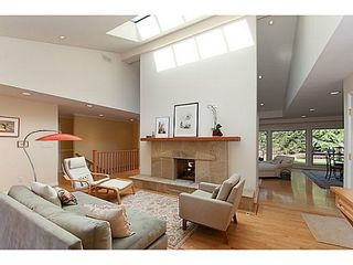 Photo 1: 877 BEACONSFIELD Road: Forest Hills NV Home for sale ()  : MLS®# V991497