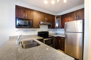 """Photo 12: 108 6475 CHESTER Street in Vancouver: Fraser VE Condo for sale in """"Southridge House"""" (Vancouver East)  : MLS®# R2439801"""