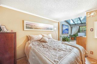 "Photo 14: 826 MILLBANK in Vancouver: False Creek Townhouse for sale in ""Heather Point"" (Vancouver West)  : MLS®# R2564481"