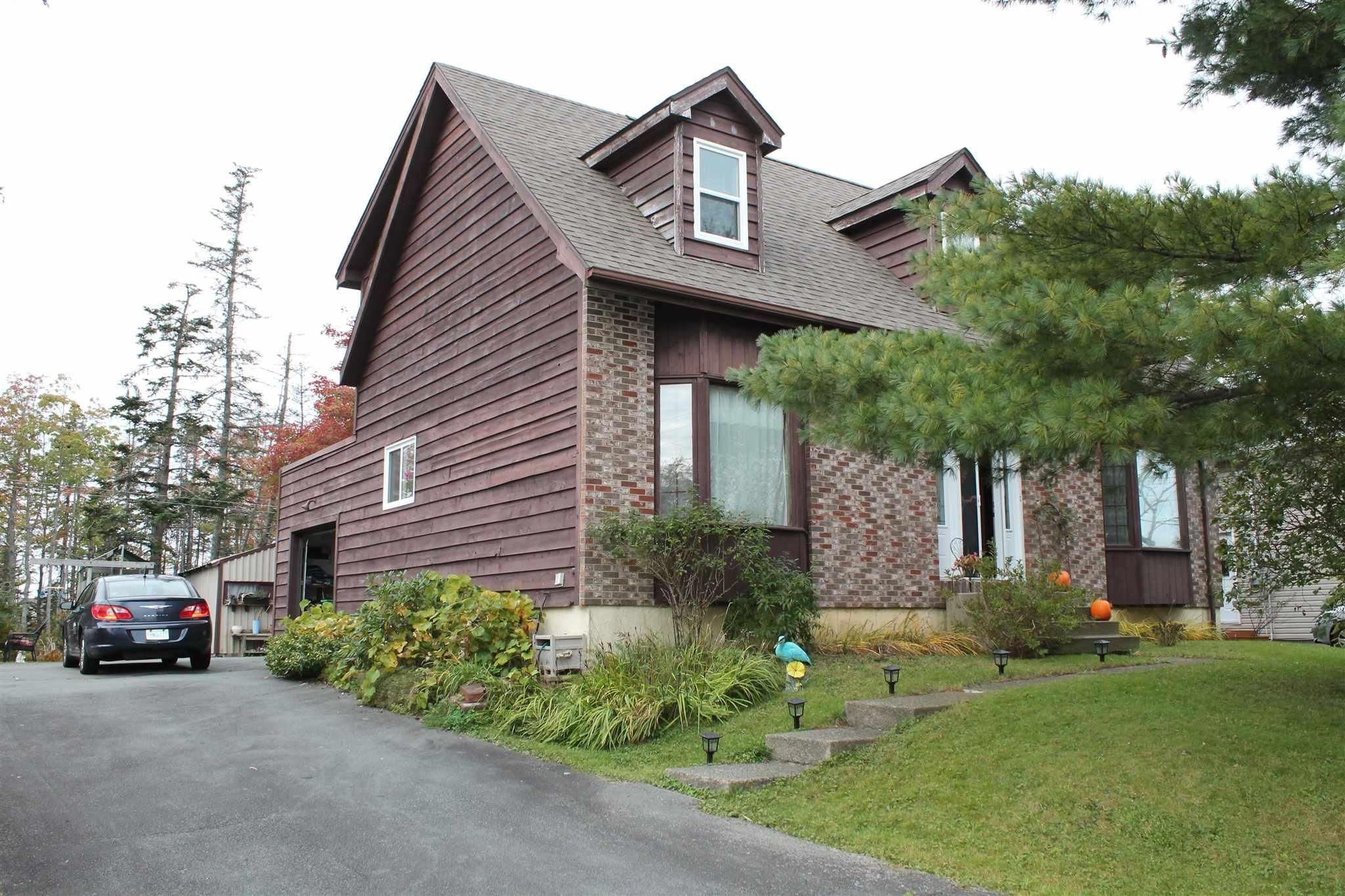 Main Photo: 27 Maple Drive in Timberlea: 40-Timberlea, Prospect, St. Margaret`S Bay Residential for sale (Halifax-Dartmouth)  : MLS®# 202125842