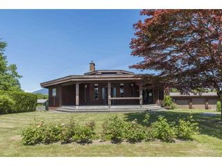 Photo 2: 41594 SOUTH SUMAS Road in Chilliwack: Greendale Chilliwack House for sale (Sardis)  : MLS®# R2589043