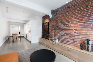 """Photo 5: 404 53 W HASTINGS Street in Vancouver: Downtown VW Condo for sale in """"Paris Block"""" (Vancouver West)  : MLS®# R2539931"""