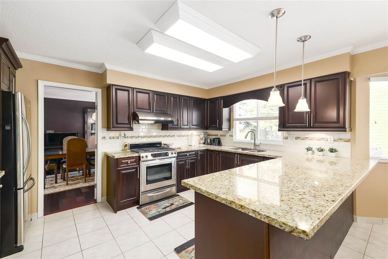Photo 8: Photos: 10291 MORTFIELD Road in Richmond: South Arm House for sale : MLS®# R2490488