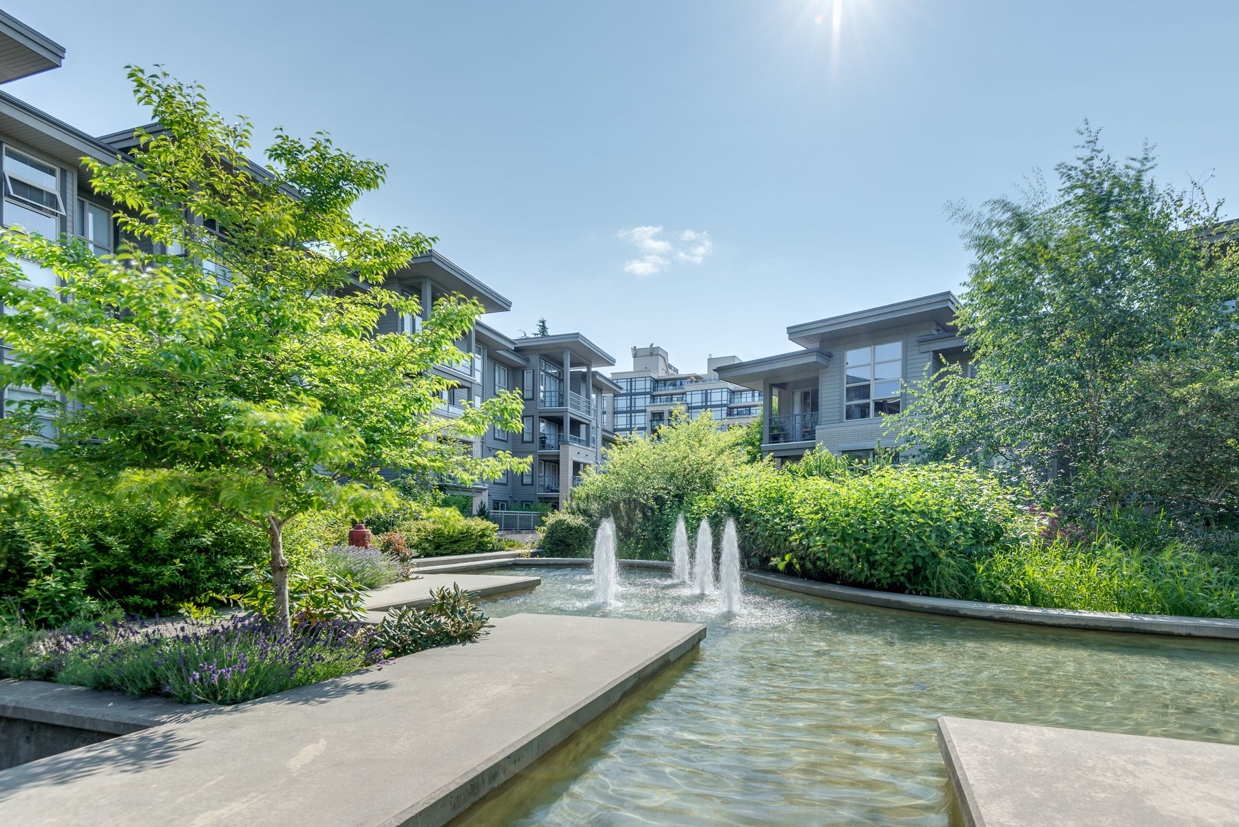 """Photo 22: Photos: 404 9339 UNIVERSITY Crescent in Burnaby: Simon Fraser Univer. Condo for sale in """"HARMONY AT THE HIGHLANDS"""" (Burnaby North)  : MLS®# R2578073"""