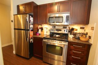 "Photo 8: 401 2468 ATKINS Avenue in Port Coquitlam: Central Pt Coquitlam Condo for sale in ""THE BORDEAUX"" : MLS®# R2000913"