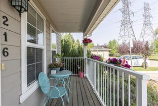 Photo 3: 216 Cascades Pass: Chestermere Row/Townhouse for sale : MLS®# A1133631