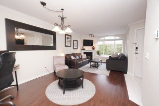 """Photo 4: 45 23085 118 Avenue in Maple Ridge: East Central Townhouse for sale in """"SOMMERLVILLE GARDENS"""" : MLS®# R2532695"""