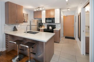 """Photo 13: 2604 977 MAINLAND Street in Vancouver: Yaletown Condo for sale in """"YALETOWN PARK III"""" (Vancouver West)  : MLS®# R2122379"""