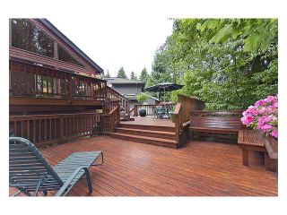Photo 9: 5527 HUCKLEBERRY LN in North Vancouver: Grouse Woods House for sale : MLS®# V910533