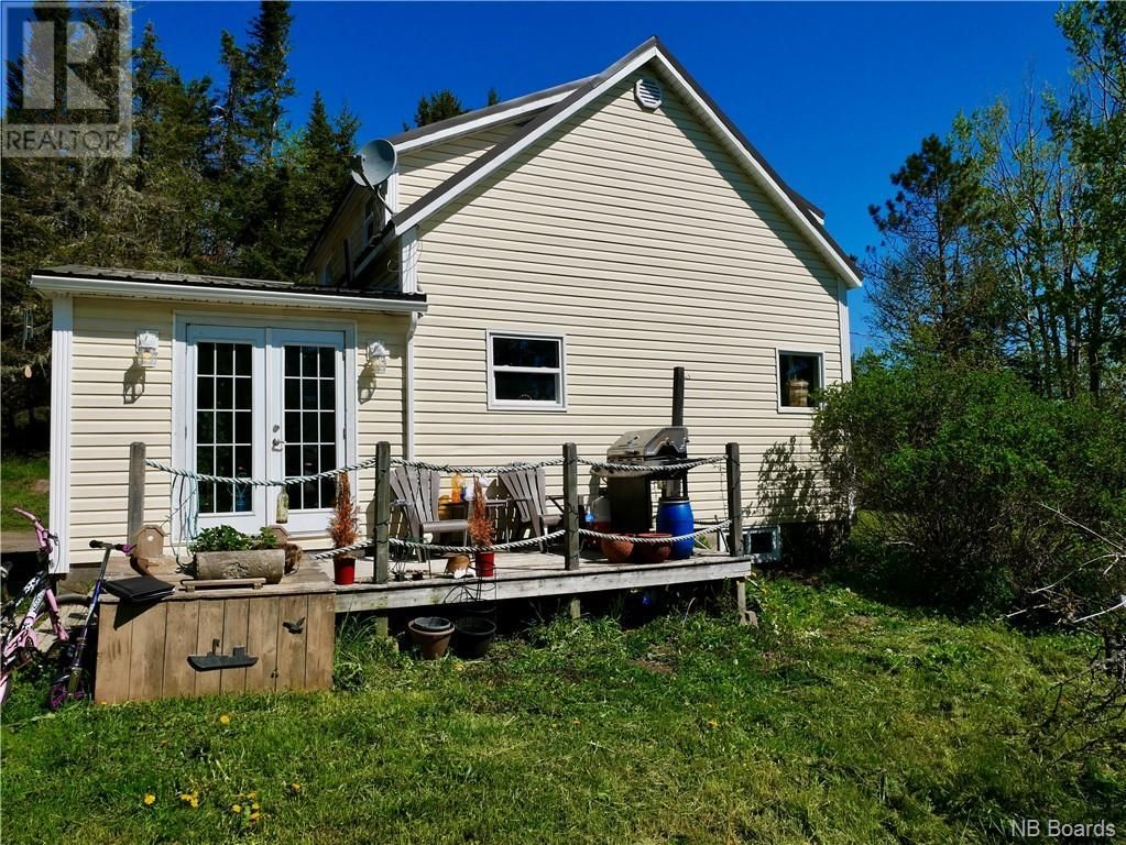 Main Photo: 13 Bates Road in Beaver Harbour: House for sale : MLS®# NB058293