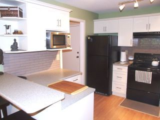 Photo 7: 204 1480 Vidal Street in The Wellington: Home for sale