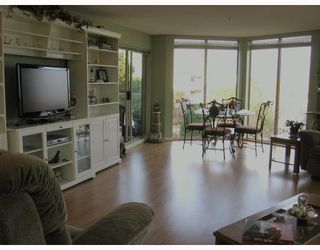 """Photo 3: 202 60 RICHMOND Street in New_Westminster: Fraserview NW Condo for sale in """"GATEHOUSE"""" (New Westminster)  : MLS®# V743649"""