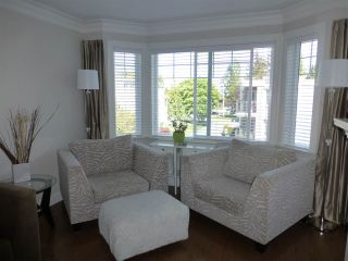 "Photo 8: PH1 15357 ROPER Avenue: White Rock Condo for sale in ""REGENCY COURT"" (South Surrey White Rock)  : MLS®# R2366070"